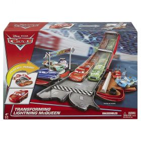 Disney Pixar Cars 3 Transforming Lightning McQueen Playset