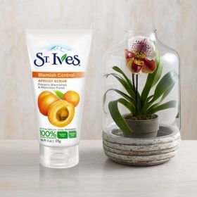 St Ives Blemish Control Apricot Scrub 30ml